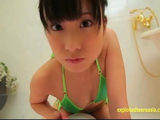 Cute Asian teen using a DILDO and CUMS - More on http://javcs.club