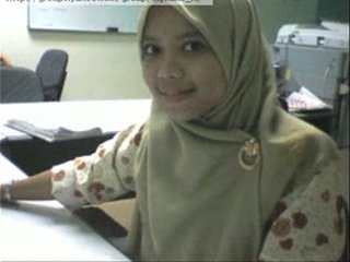 Muslim asian girl showing her tits
